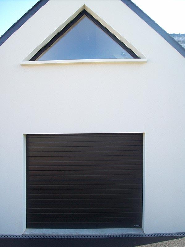 Portes de garage acc s automatiques brest loperhet - Encadrement porte de garage ...
